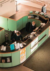 Empowering Frontline – Customer Service Teams