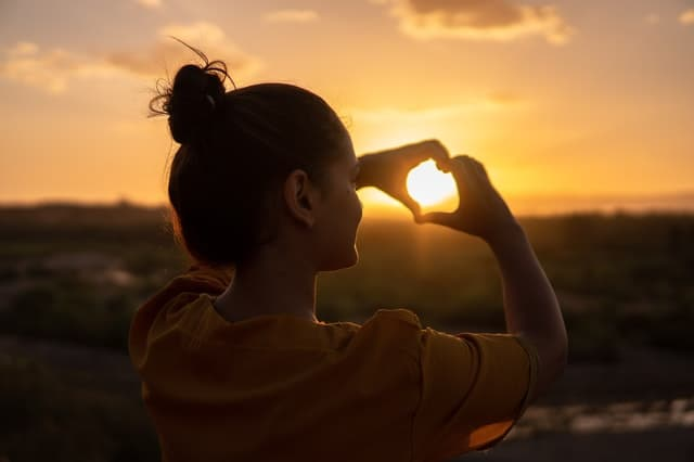 """""""Let your dominant intent be to feel good which means…be playful, have fun, laugh often, look for reasons to appreciate and practice the art of appreciation."""" Abraham-Hicks"""